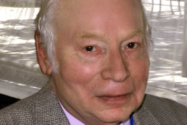 Steven Weinberg at the 2010 Texas Book Festival, Austin, Texas, United States. (photo credit: Wikimedia Commons)